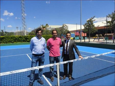 Retopping pista central polideportivo camilo cano global for Piscina municipal camilo cano
