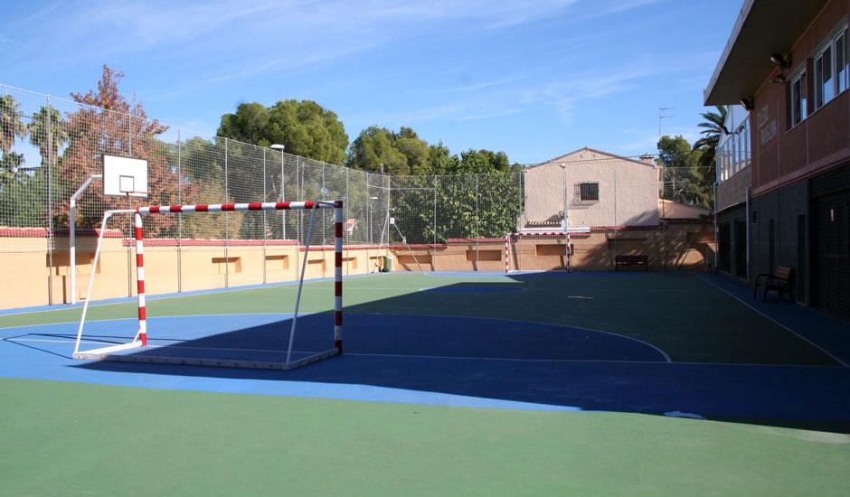 Instaladas instalaciones deportivas en Colegio Rivas Luna de Eliana (Valencia)