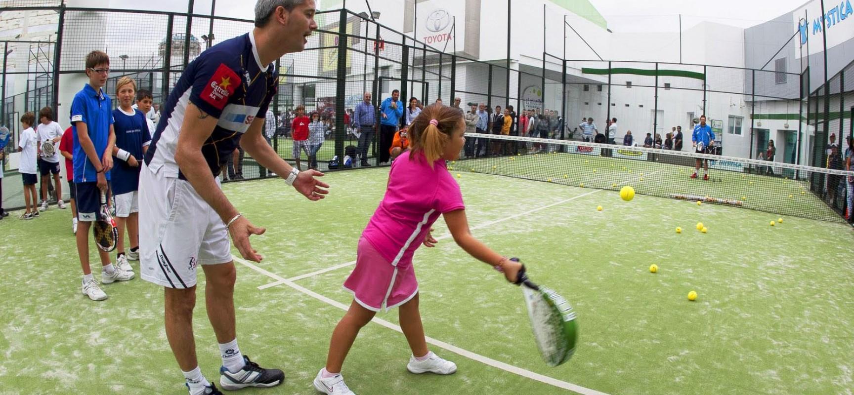 Pádel: Un deporte completo para los más pequeños