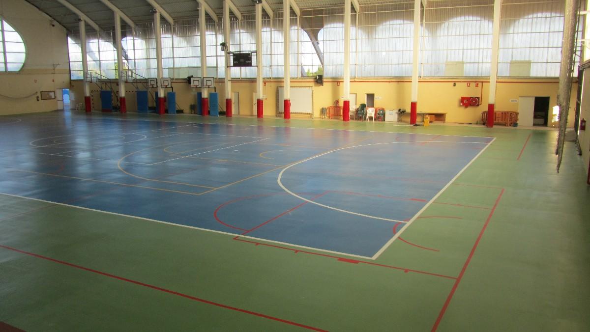 Revestimiento Pabellón Polideportivo cubierto Ayuntamiento de Xeraco (Valencia)