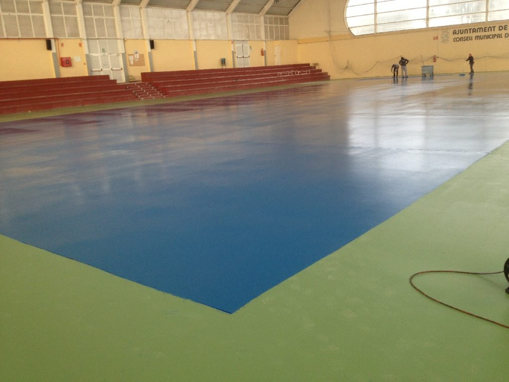 Obra revestimiento pabell n polideportivo cubierto for Gimnasio 46010