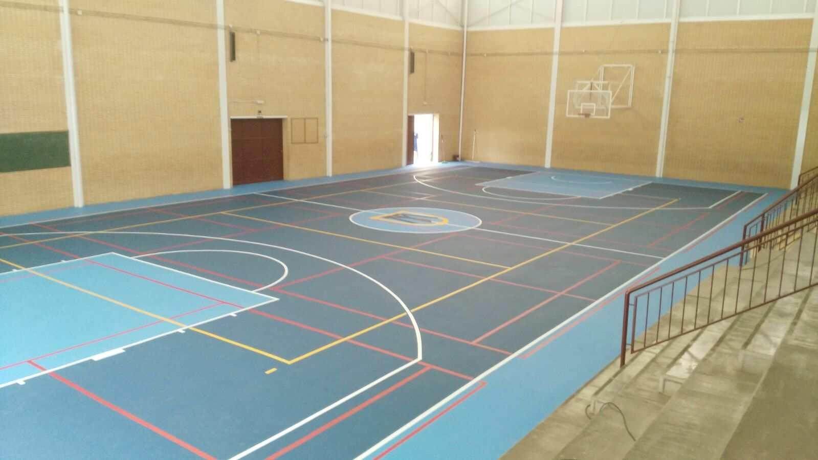 Reparación pista del Pabellón cubierto Colegio Franciscanas (Alicante)