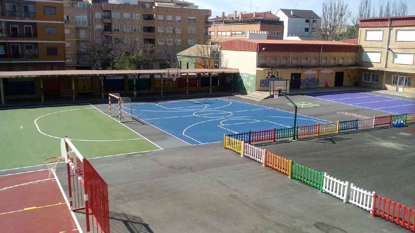 Colegio Serrano Clavero en Requena