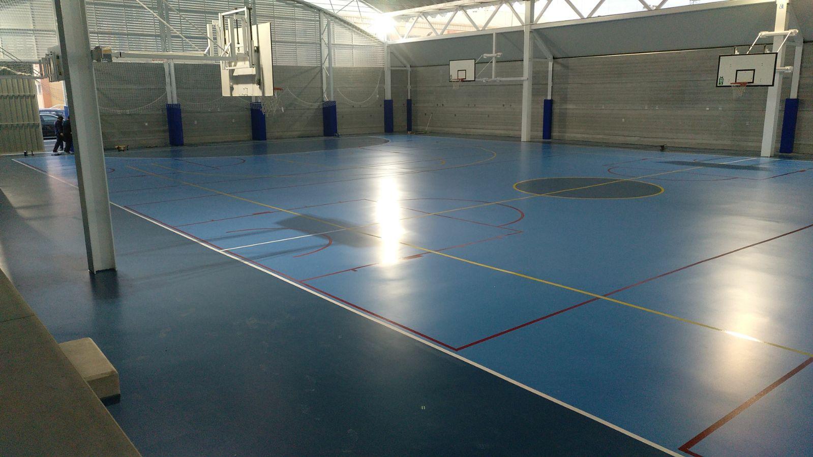 Global Grass ejecutó para el Ayto. de Calpe el pavimento del pabellón cubierto del Polideportivo Municipal